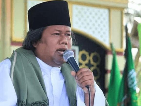 Beda Kiai dan Ustad-IslamRamah.co