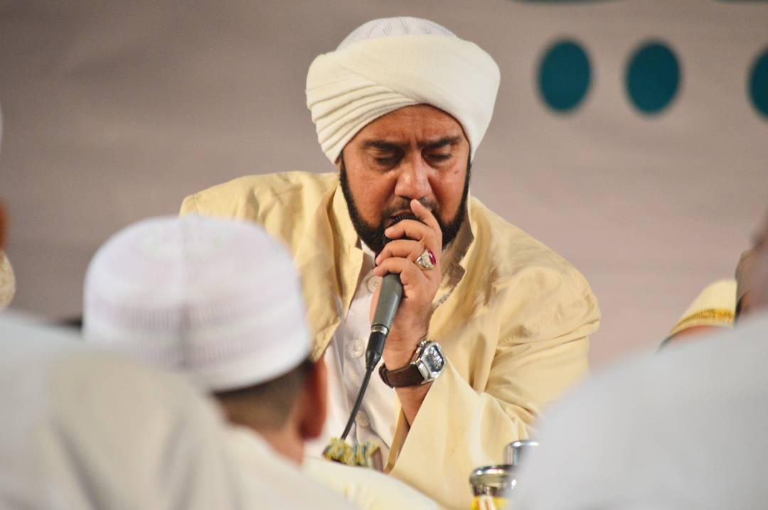 Habib Syech- Islam Menyebarkan Kegembiraan, Bukan Ketakutan- IslamRamah.co