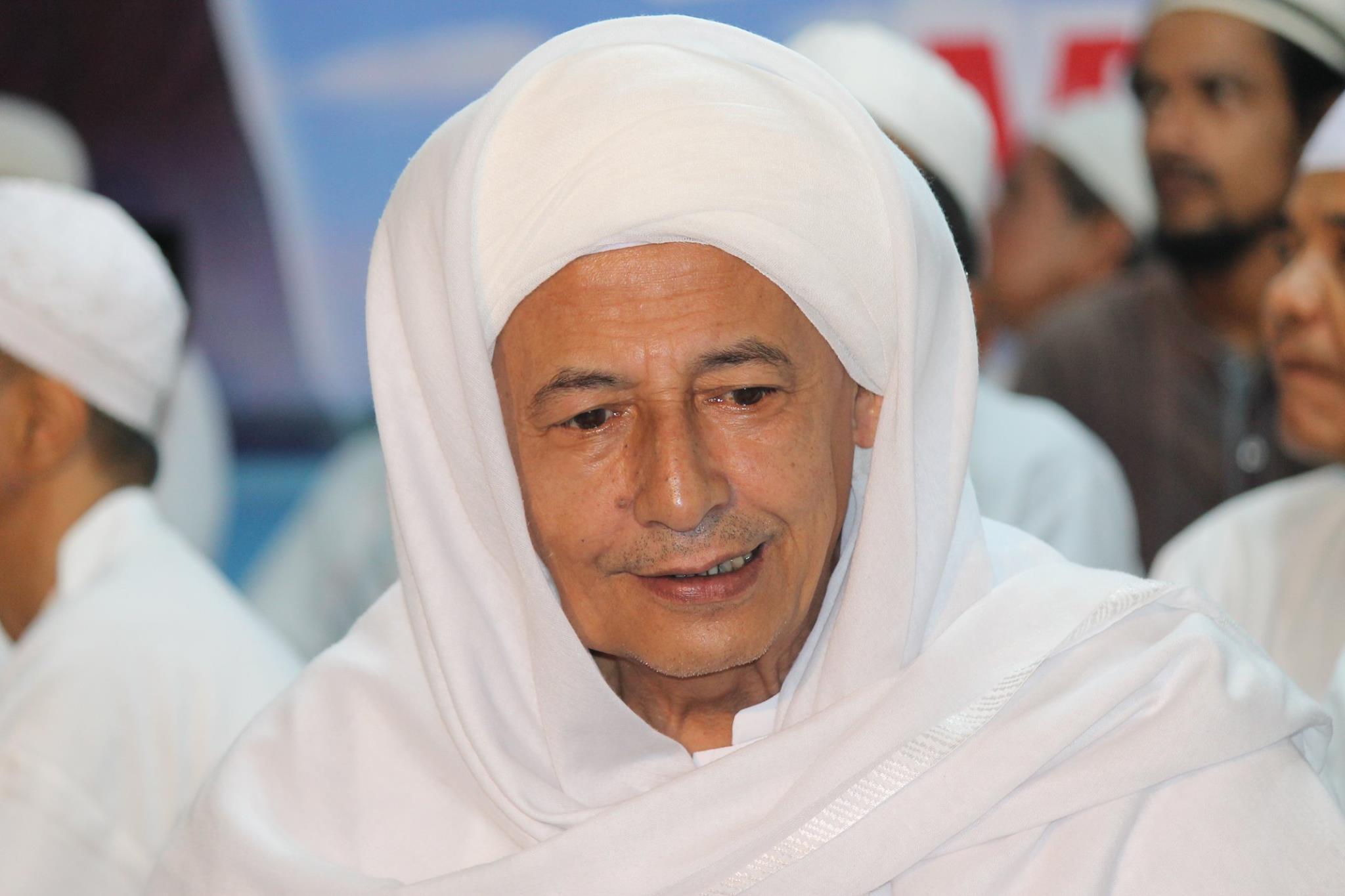 Habib Luthfi-Setelah Perayaan Agustus, Merah Putih Jangan Dilempar-IslamRamah.co