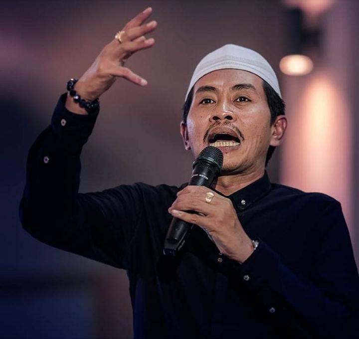 KH Anwar Zahid-Jangan Mudah Menuduh Kafir-IslamRamah.co