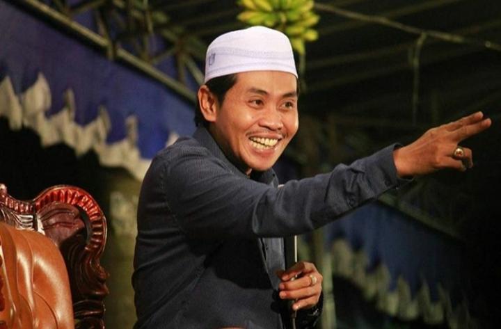 KH Anwar Zahid-Tidak Perlu Merasa Paling Benar-IslamRamah.co