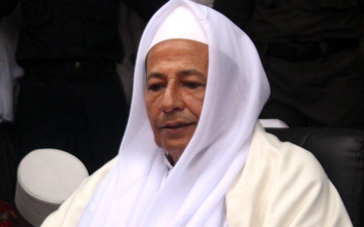 Habib Luthfi-Bentengi Diri Dengan Sikap Qona'ah dan Zuhud-IslamRamah.co