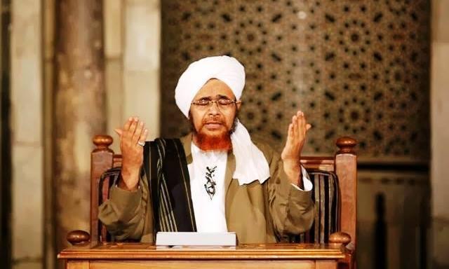Habib Umar Al-Hafiz-Umat Islam Hendaknya Menjaga Umat Agama Lain-IslamRamah.co