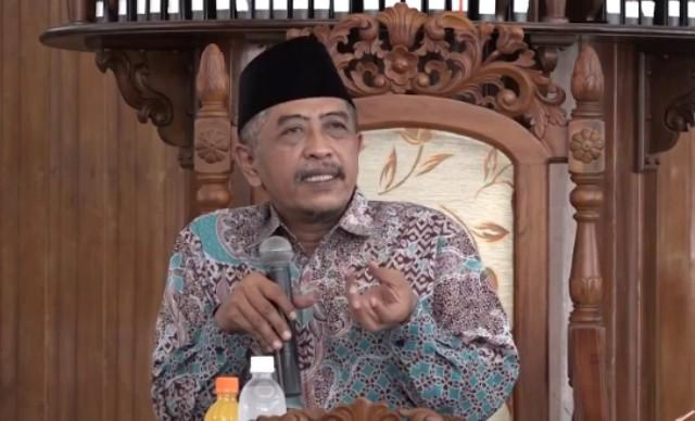 KH Luqman Hakim-Hoaks Diproduksi Orang-Orang Fasik-IslamRamah.co