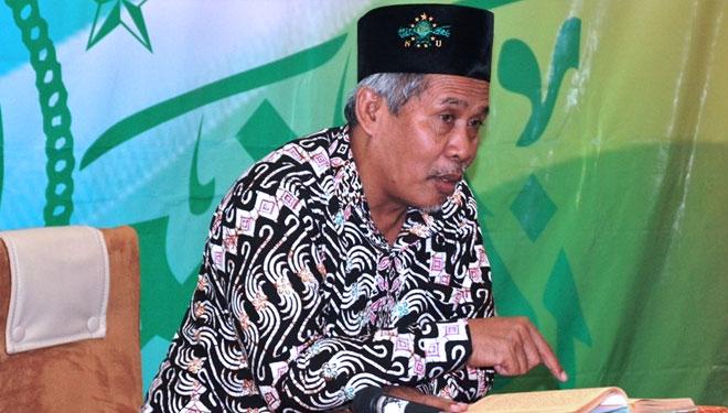 Kiai Marzuki Mustamar-Shalat Memperlancar Segala Urusan-IslamRamah.co