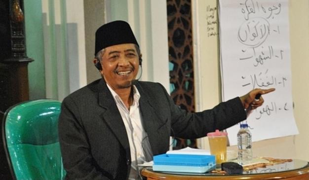 KH Luqman Hakim-Kendalikan Nafsu, Ikhlaslah Beribadah-IslamRamah.co