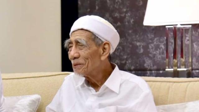 Mbah Moen-Jaga Persatuan Bangsa Indonesia-IslamRamah.co