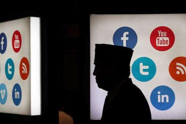 Tampilkan Akhlak di Media Sosial-IslamRamah.co