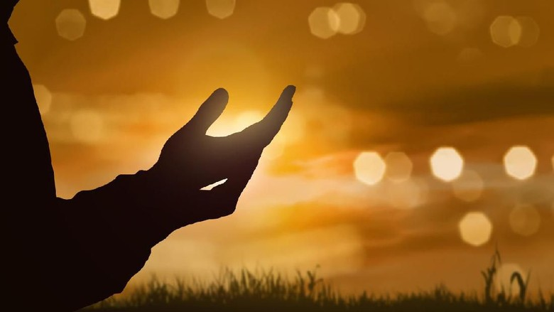 Doa Mohon Perlindungan Dari Ilmu Tak Bermanfaat-IslamRamah.co